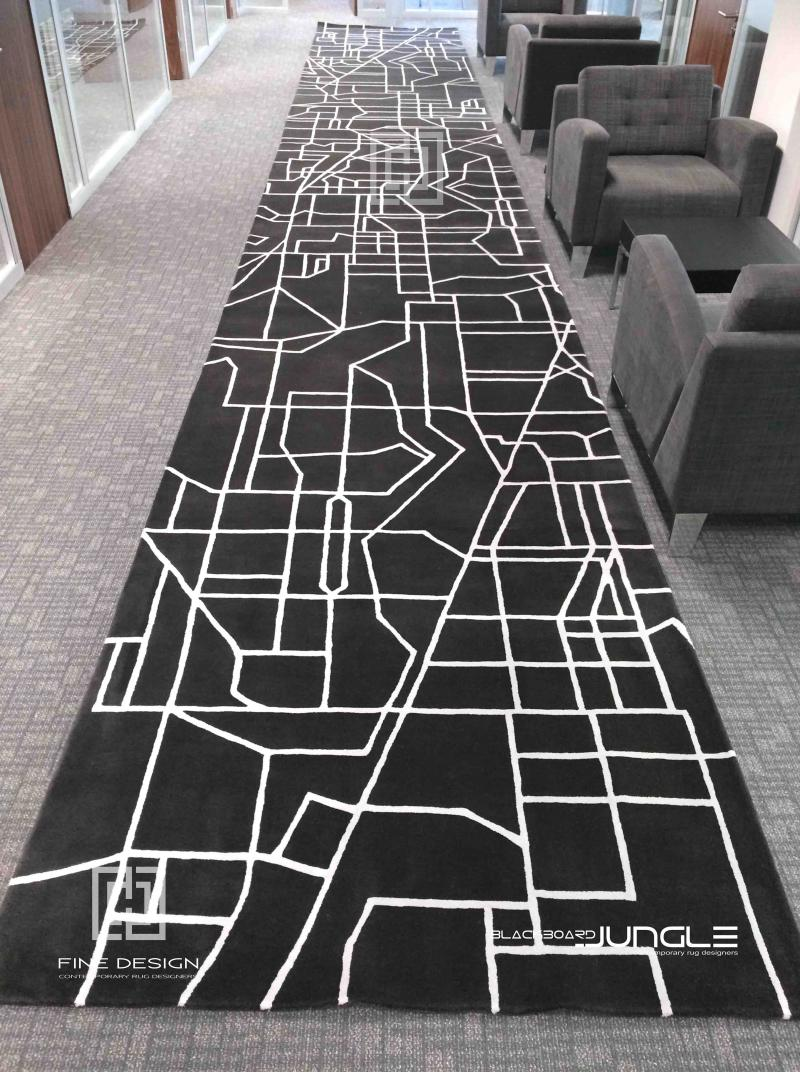 Corporate_passage_runner_in_charcoal_and_grey