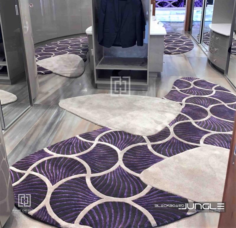 Dressing_room_shaped_rug_1