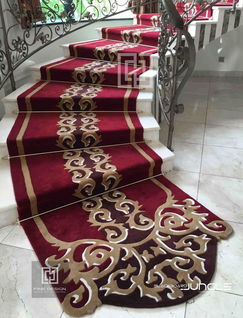Red_staircase_runner