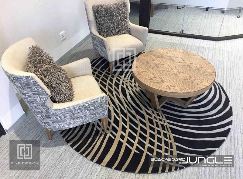Round_dressing_room_waiting_area_rug