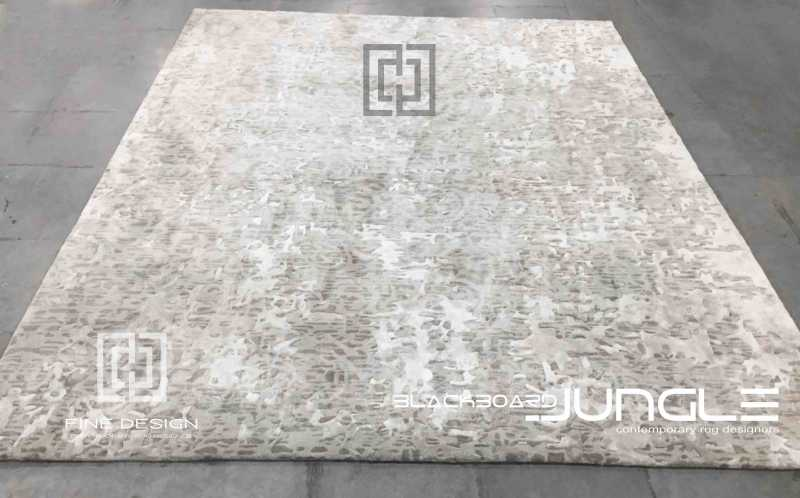 Ultra_luxury_classic_textured_wool_and_Tsilk_rug